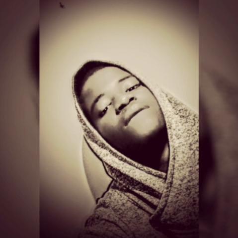 user Michelle Simumba apkdeer profile image
