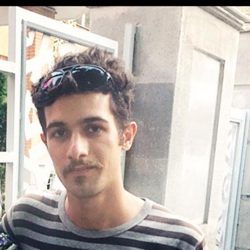 user Mohammad Razzaghzadeh apkdeer profile image