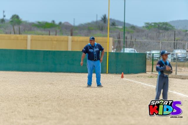 Juni 28, 2015. Baseball Kids 5-6 aña. Hurricans vs White Shark. 2-1. - basball%2BHurricanes%2Bvs%2BWhite%2BShark%2B2-1-40.jpg