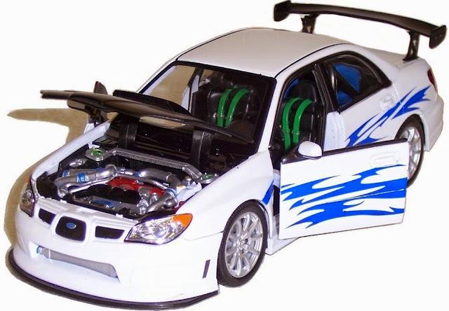 Mô hình Subaru Impreza tỷ lệ 1/24 mở được cánh cửa và nắp capo