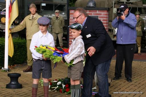 OVERLOON 08-10-2011 Officiële tankoverdracht  (37).JPG