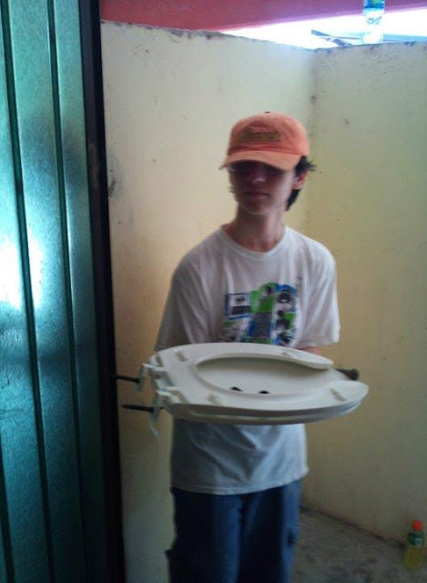 Toilet seat ministry...only in Mexico!