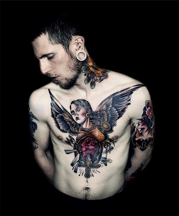 para_o_coraço_quebrado_tatuagem_no_peito