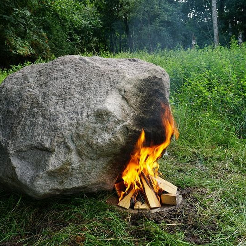 This Boulder Has a Hidden Wi-Fi Router That Needs Fire to Turn On