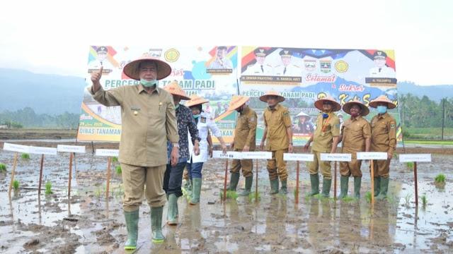 Foto: Wagub Nasrul Abit. Koperasi Wadah Hebat Ekonomi Rakyat.