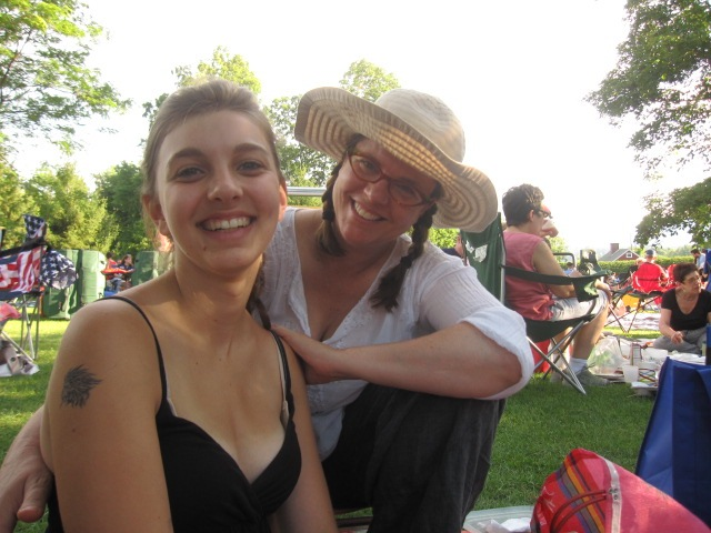 Gina and her daughter Annalena picnicking at Tanglewood during a concert by Carole King and James Taylor. From The Tanglewood Picnic: Music and Outdoor Feasts in the Berkshires