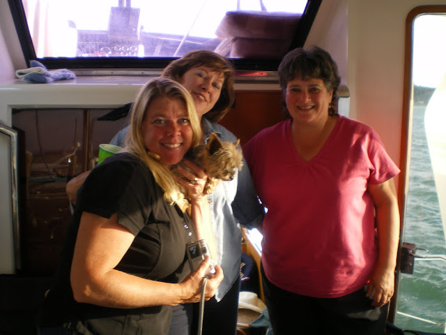 2010 Ladies Cruise - cam%2Bdownload%2B104.JPG
