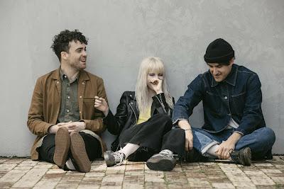 """Paramore: Ada Yang Aneh Dari Album Terbaru Paramore """"After Laughter"""" ???"""