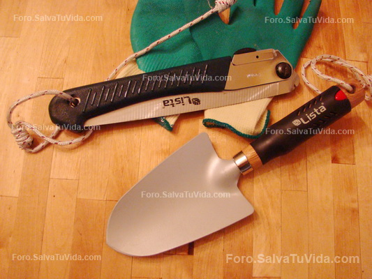 Sierra, hacha y cuchillo, la alternativa lógica a un único cuchillo grande DSC04118