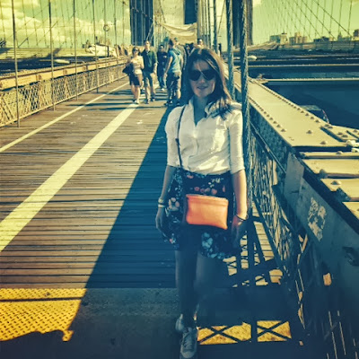 Brooklyn Bridge Babe