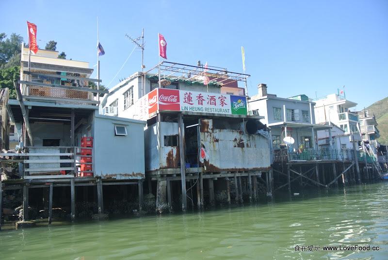 香港【大澳小艇遊】水上棚屋與白海豚 - 食在愛玩@香港澳門