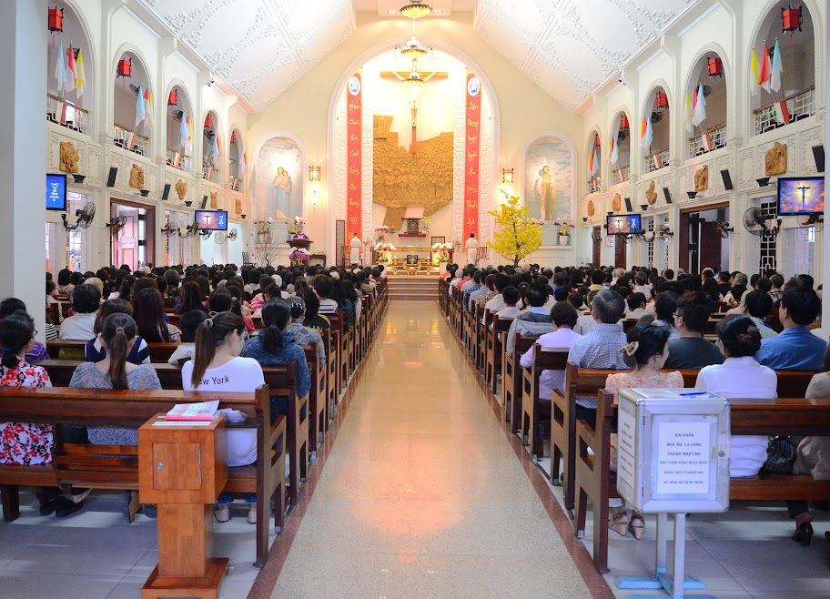 Ảnh-Mồng Ba Tết: Thánh hoá công ăn việc làm - Thứ Tư Lễ Tro