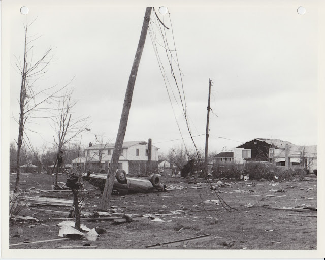1976 Tornado photos collection - 18.tif