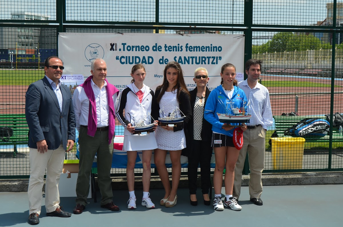 Entrega de premios del XI Torneo de la Mujer de Santurtzi