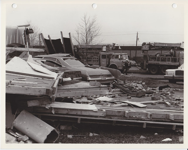 1976 Tornado photos collection - 35.tif