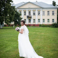 Wedding photographer Antonova Kristina (antonovakr9). Photo of 01.09.2017