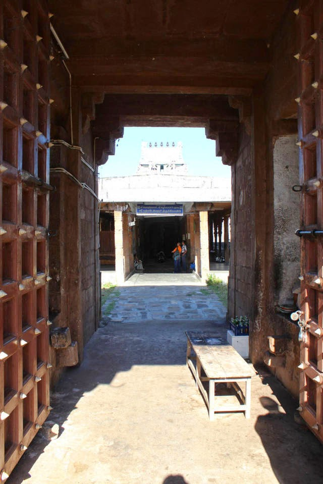 Sri Karkadakeswarar Temple, Tirundudevankudi, Mayiladuthurai - 275 Shiva Temples