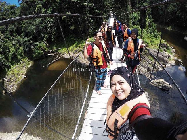 jambatan gantung di santuari kelah kenyir