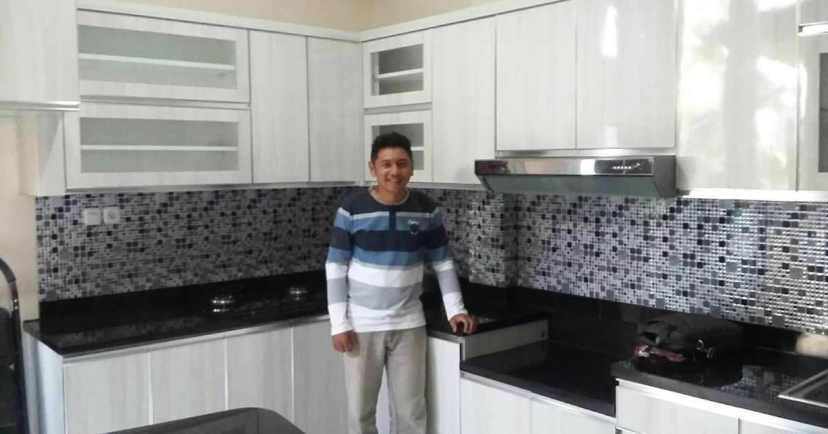 Kitchen set murah pabrik kitchen set minimalis harga for Harga kitchen cabinet 2016