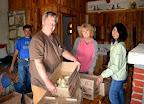 The team organiizes and packs chicks at Mansion Tarahumara.