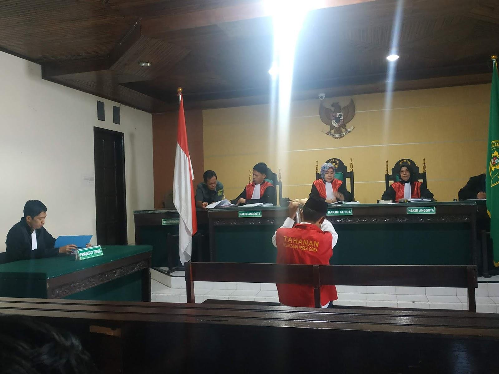 PN Sungguminasa Gowa Vonis AM Riskan 1 Tahun 6 Bulan dan Denda Rp 10 Juta