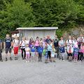 Polazak šesnaestoro djece i njihovih roditelja od Novog Sela Okićkog prema Plešivici