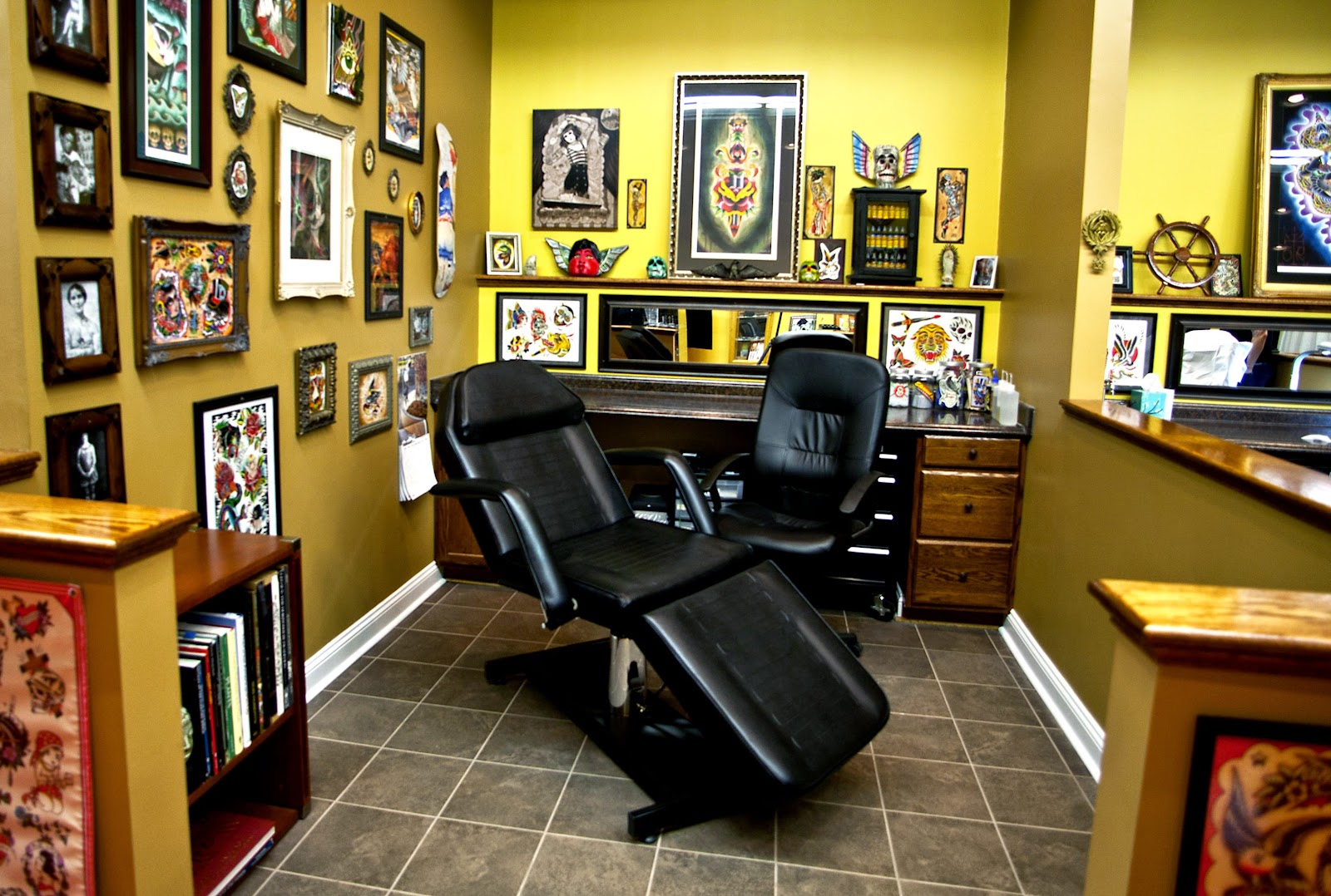 tattoo shop on Pinterest  Tattoo Shop Tattoo Studio and Damask