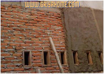 Dinding Rumah Bagian Luar Belum Diplester