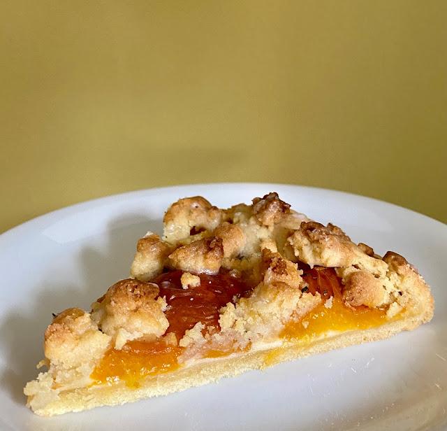 Aprikosenkuchen mit Rosmarin