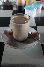 Photo: 'Kopy su sū'  - reiškia kava su pienu. Dažniausiai kendensuotu ir saldžiu saldžiu.  'Kopy su su' - means coffee with milk. Mostly condensed and sooo sweeeet.