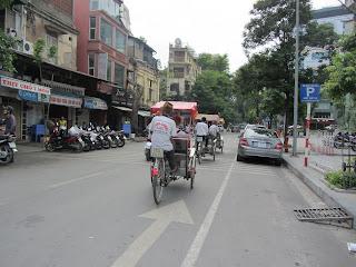 0011Pedicab_Ride_in_Hanoi
