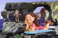 Los trolls Racaño y Raizotas se han ido de vacaciones a ver el mar