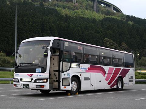 西鉄高速バス「フェニックス号」 9910 えびのPAにて その1