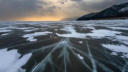 Περιβαλλοντική «βόμβα» για τη Σιβηρία: Χιονίζει μικροπλαστικά