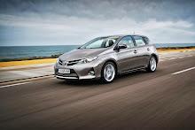 2013-Toyota-Auris-7