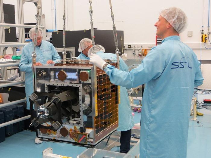 CARBONITE-2-Satellite-ISRO-UK-MOD-Military-002