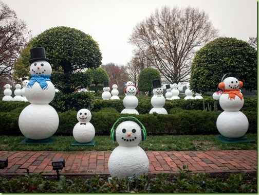 snow men white house