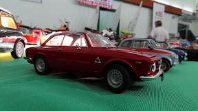 1:24 Alfa Romeo Giulia in red