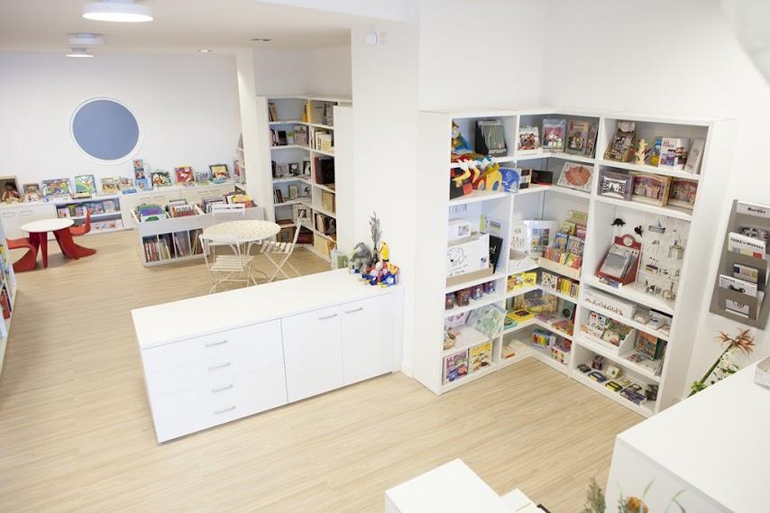 librería-literatura-infantil-juvenil-gijón-bosque-maga-colibri