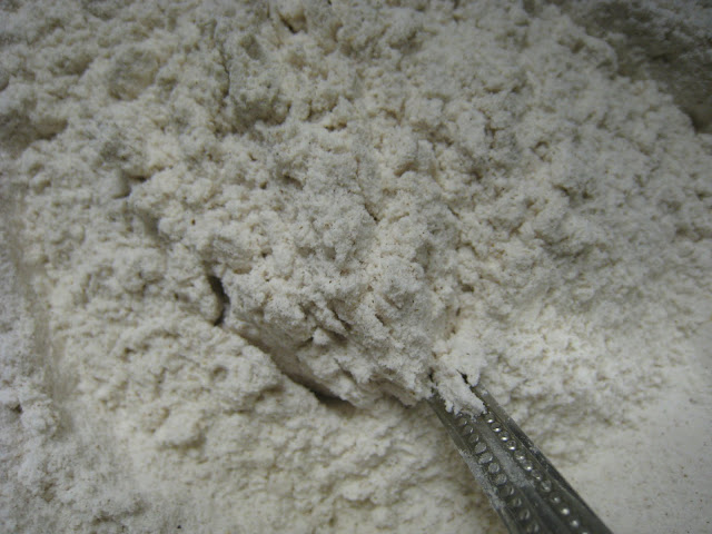 Sift flour with salt, baking soda and cinnamon