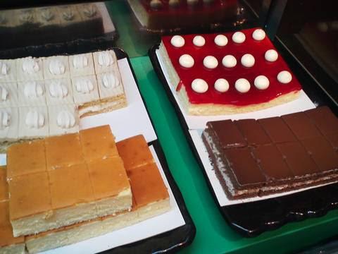 ケーキコーナー2 あみやき亭神守店