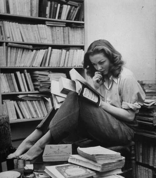 3 Personal Finance Books Every Woman Should Read in Their 20s