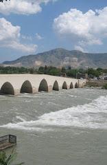 Misis Köprüsü - Misis Adana Ceyhan nehri üzerinde.jpg