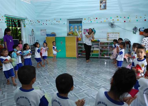 Tekanan Kerja Membuat Stress, Guru TK di Vietnam Meminta Pensiun Dini