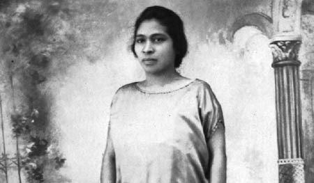 Prudencia Ayala (Biografía)