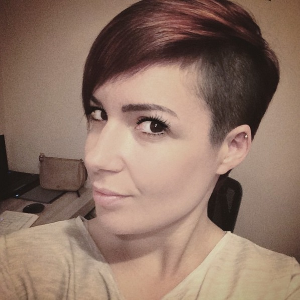 Short Haircuts with Shaved Sides for Women picture 19