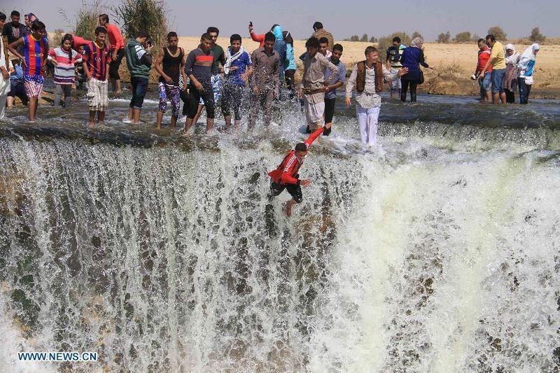 wadi-el-rayan-waterfalls-1