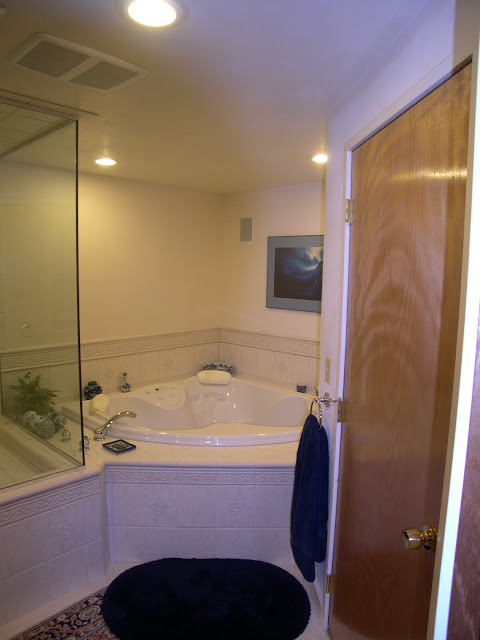 May Look Small but Very Inviting and Hidden to Make that Bath Soothing