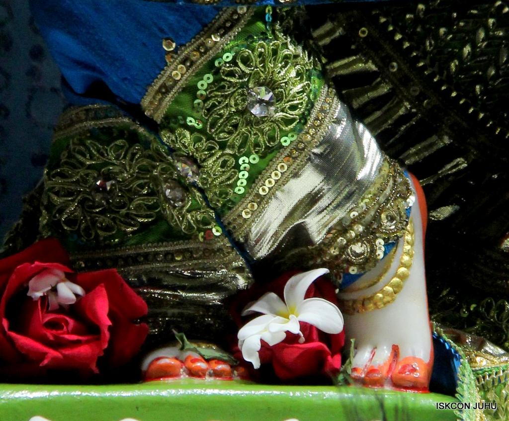 ISKCON Juhu Mangal Deity Darshan on 20th Jan 2017 (26)