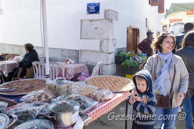 Sığacık pazarında dolaşırken, Seferihisar İzmir
